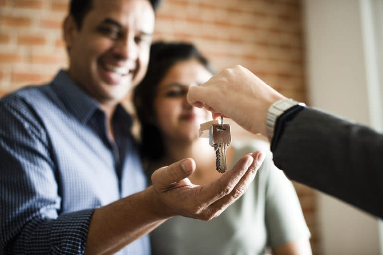HOW DO YOU MAKE AN OFFER ON A HOUSE?